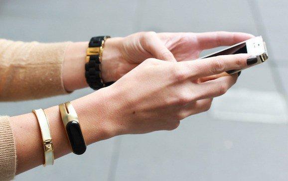 mira-bracelet-2-1418052058-Xt6C-column-width-inline