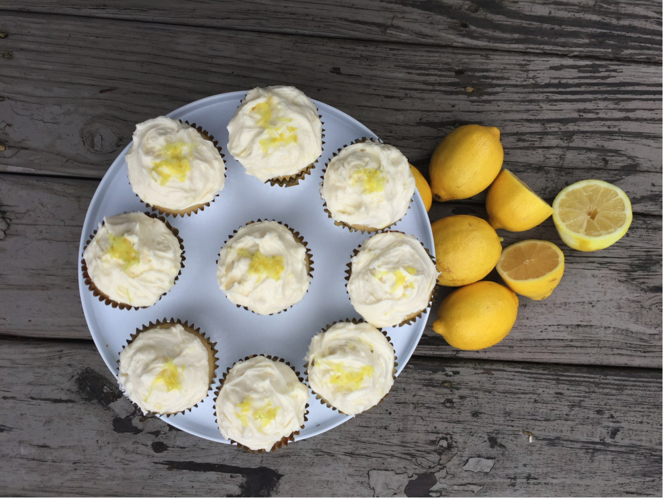 Lemon Cupcakes – Traditional and Vegan!