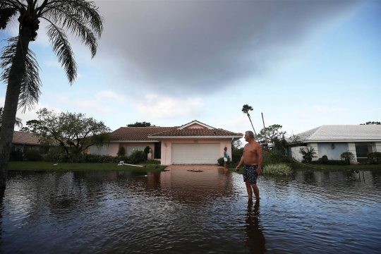 18 Impactful Images From Hurricane Irma And Harvey Eco18