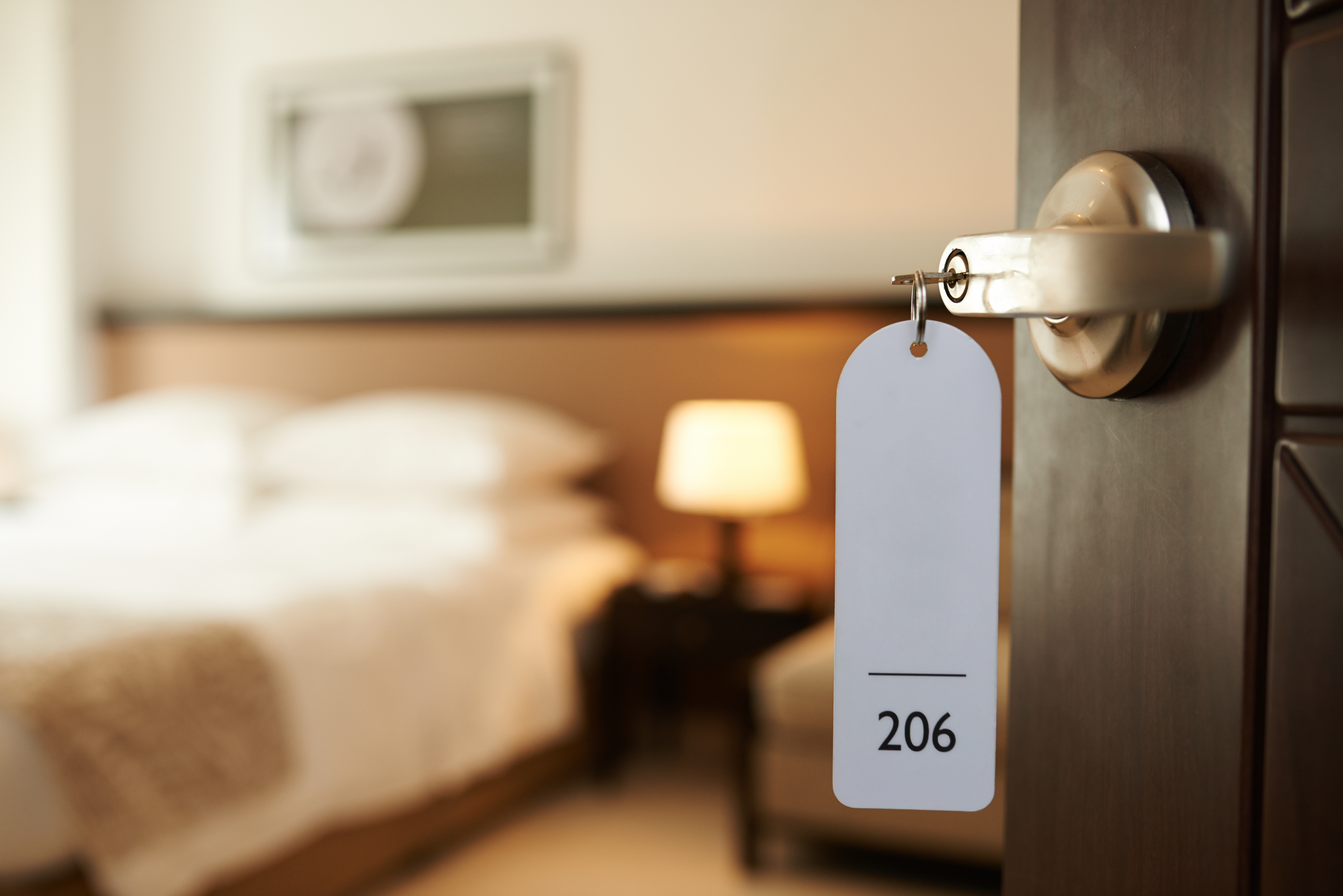 HOW TO MAKE YOUR HOTEL ROOM MORE WELLNESS-FRIENDLY