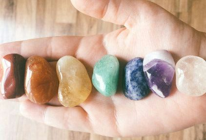 SUPPORTING YOUR CHAKRAS USING CRYSTALS