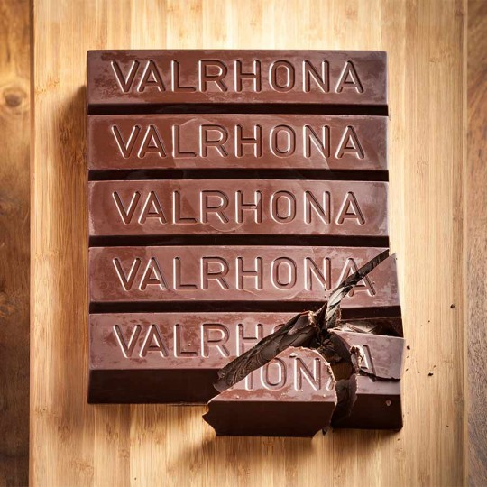 Valrhona-Block-Dark-Baking-Inside-10679