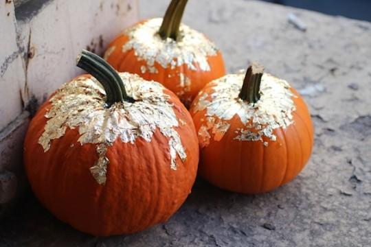 gold-leaf-pumpkin-decorations